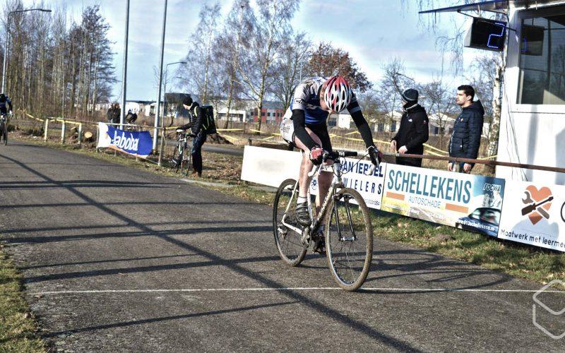 Cobbles-veldrijden-NSK-finish-1