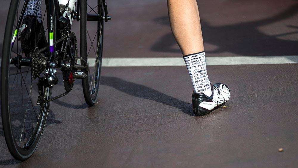 Cobbles mountainbiken tenen warm houden sokken