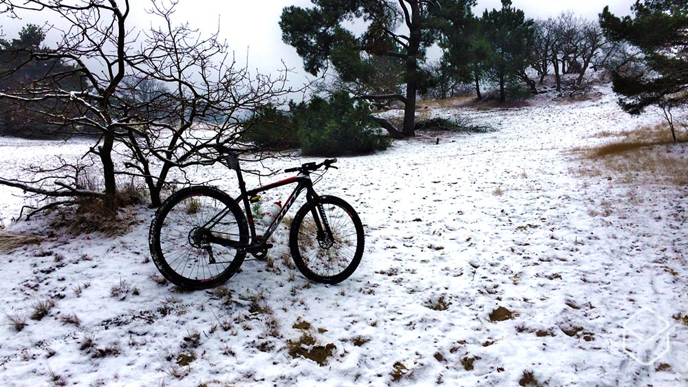 Cobbles mountainbiken tenen warm houden winter