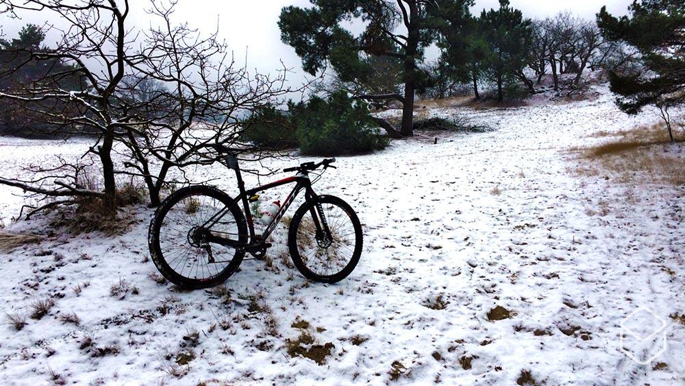 Cobbles mountainbiken tenen warm houden winter
