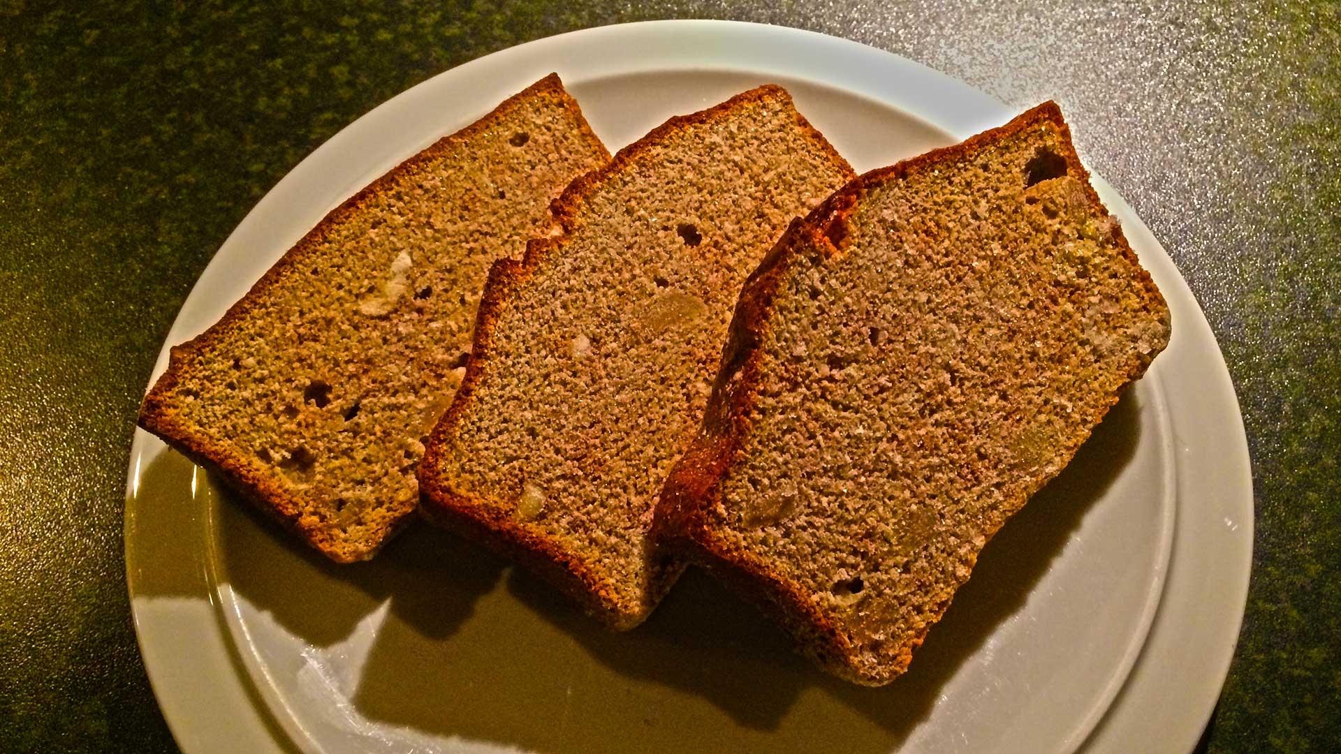 Zelfgemaakte snack voor op de fiets: supersimpel bananenbrood