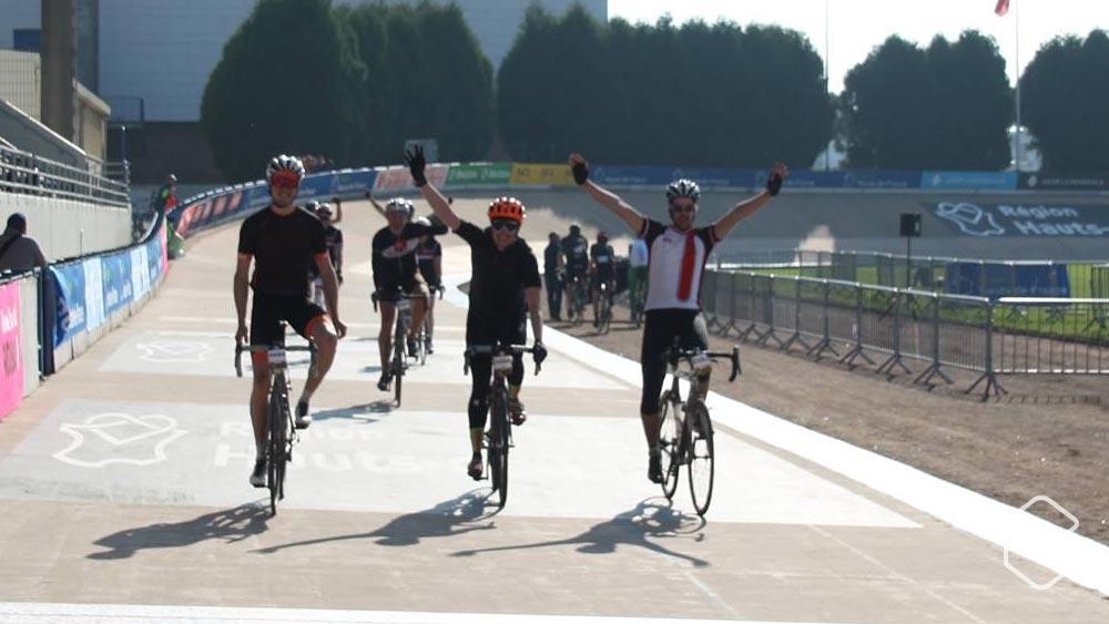 cobbles-parijs-roubaix-2017-velodrome-finish