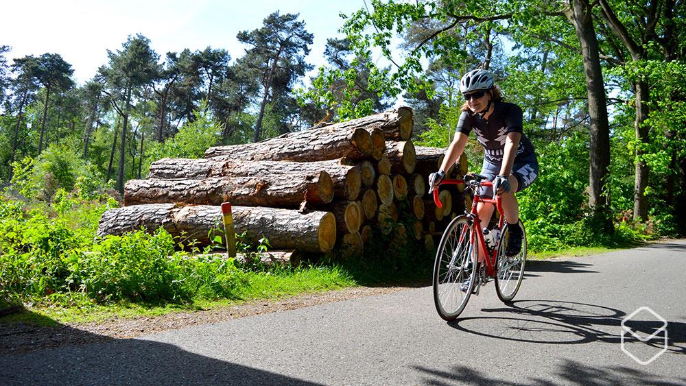 cobbles-review-ingeklikt-aztec-vrouwen-fietskleding-amsterdam-1