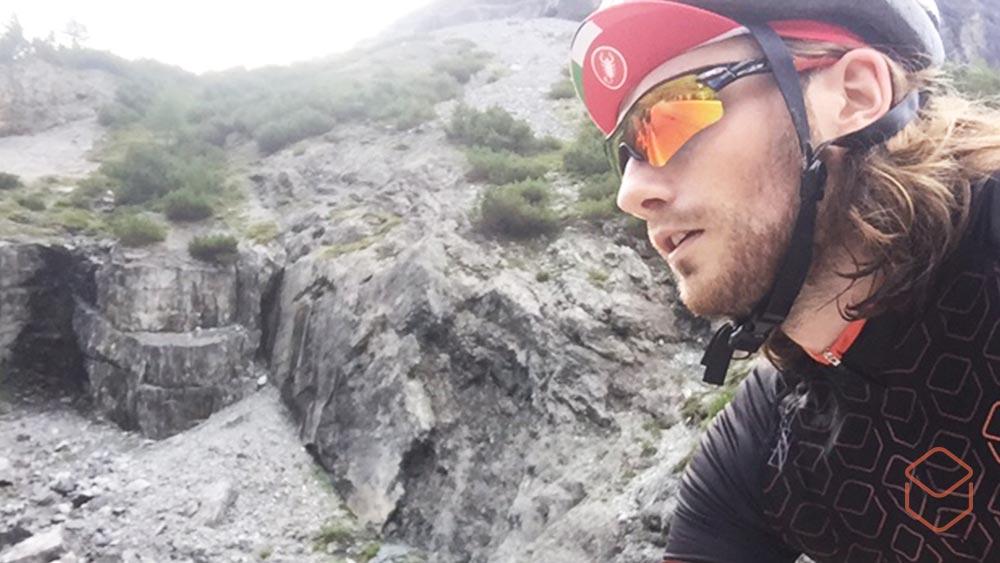 8 tips voor het rijden van je eerste grote klim beginner eerste grote klim liggende foto1