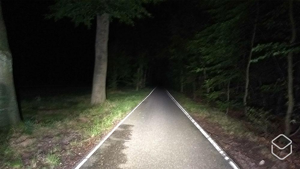 cobbles fietslamp kopen lezyne lite drive 700 xl strip drive test