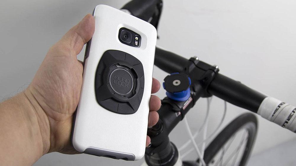 cobbles telefoon op stuur fiets quadlock