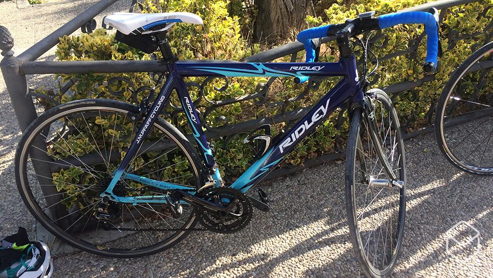 cobbles wielrennen aanrijding sarah brock ridley fiets huren spanje