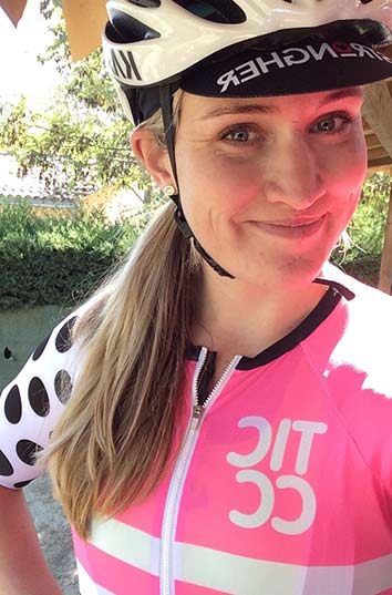 cobbles wielrennen aanrijding sarah brock uitgelicht