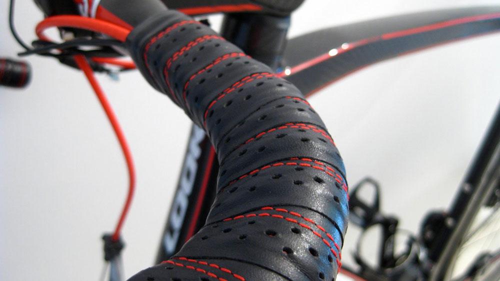 cobbles wielrennen fiets soigneren stuurlint
