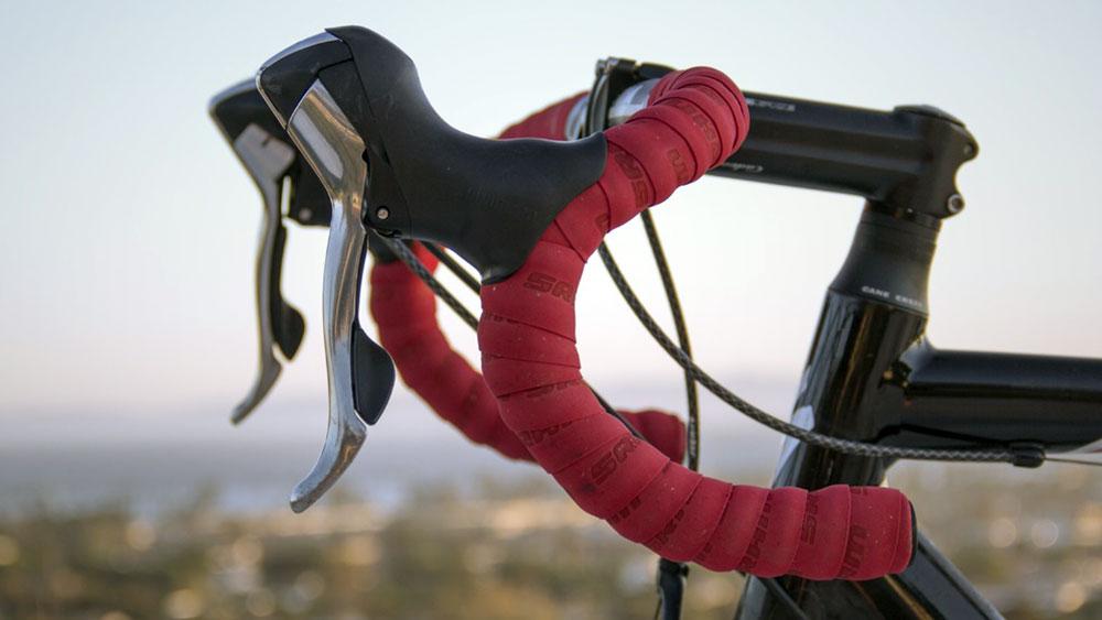 cobbles wielrennen fietsbel racefiets stuur zonder bel