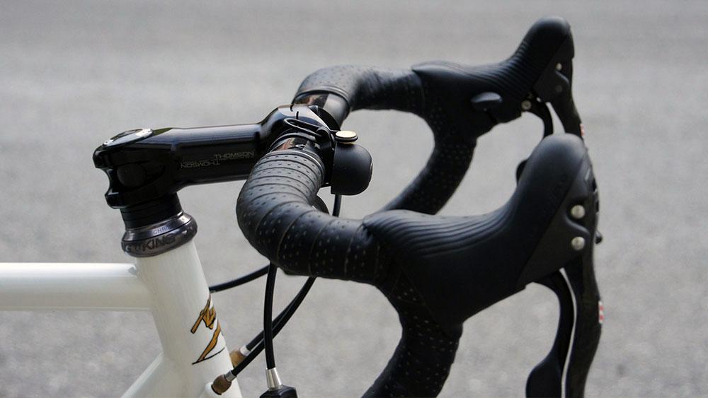 cobbles wielrennen fietsbel racefiets stuur