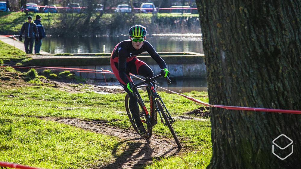 cobbles wielrennen cyclocross technieken sturen