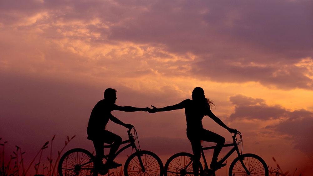 cobbles-wielrennen-openingszinnen-silhouet