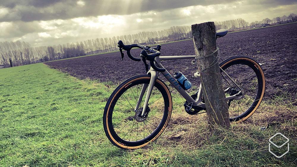 cobbles-wielrennen-gravel-fons-multistrada-review-storm