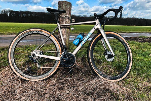 cobbles-wielrennen-gravel-fons-multistrada-review-uitgelicht