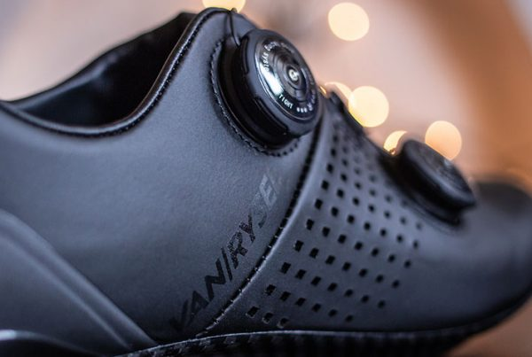 cobbles-wielrennen-van-rysel-rr900-schoenen-review-uitgelicht