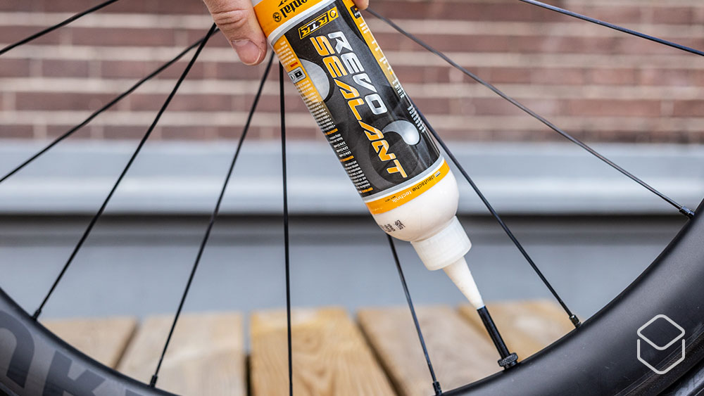 cobbles wielrennen tubeless racefiets banden continental sealant ventiel