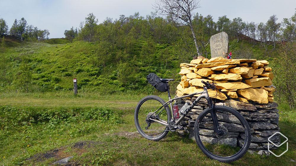 cobbles-mountainbiken-bikepacking-scandinavie-stolavspad-grens