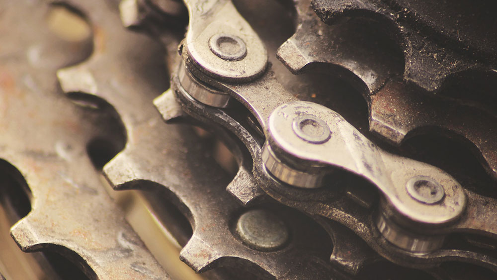 cobbles-wielrennen-kettingonderhoud-schakel-2