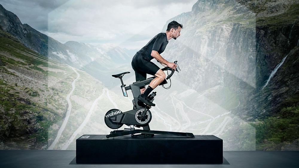 cobbles-wielrennen-smart-fietstrainer-wahoo-kickr-bike