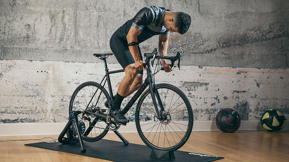 cobbles-wielrennen-smart-fietstrainer-wahoo-kickr-snap