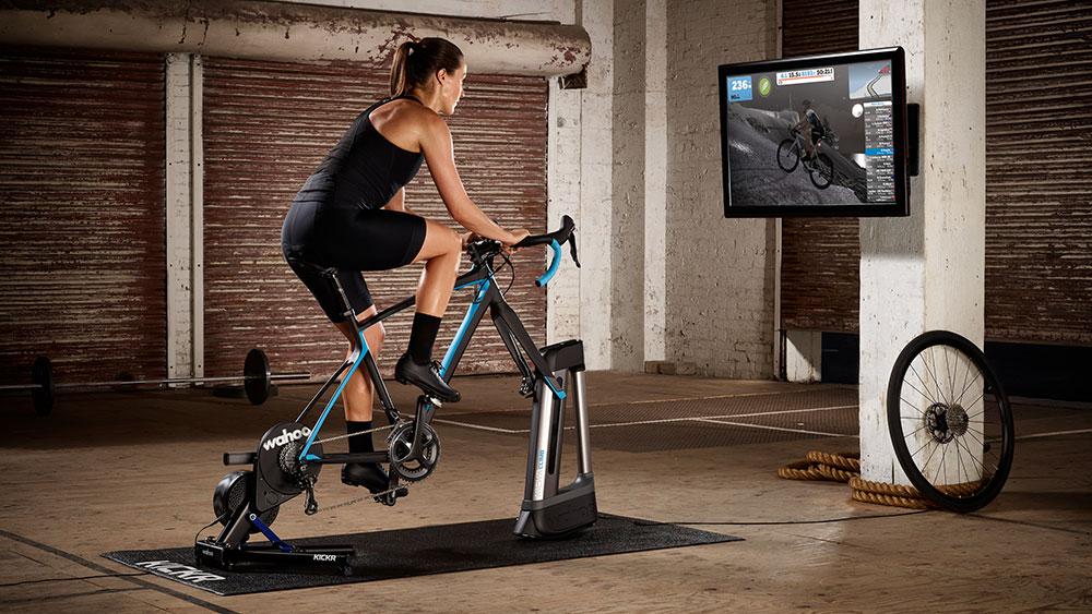 cobbles-wielrennen-smart-fietstrainer-wahoo-kickr+climb