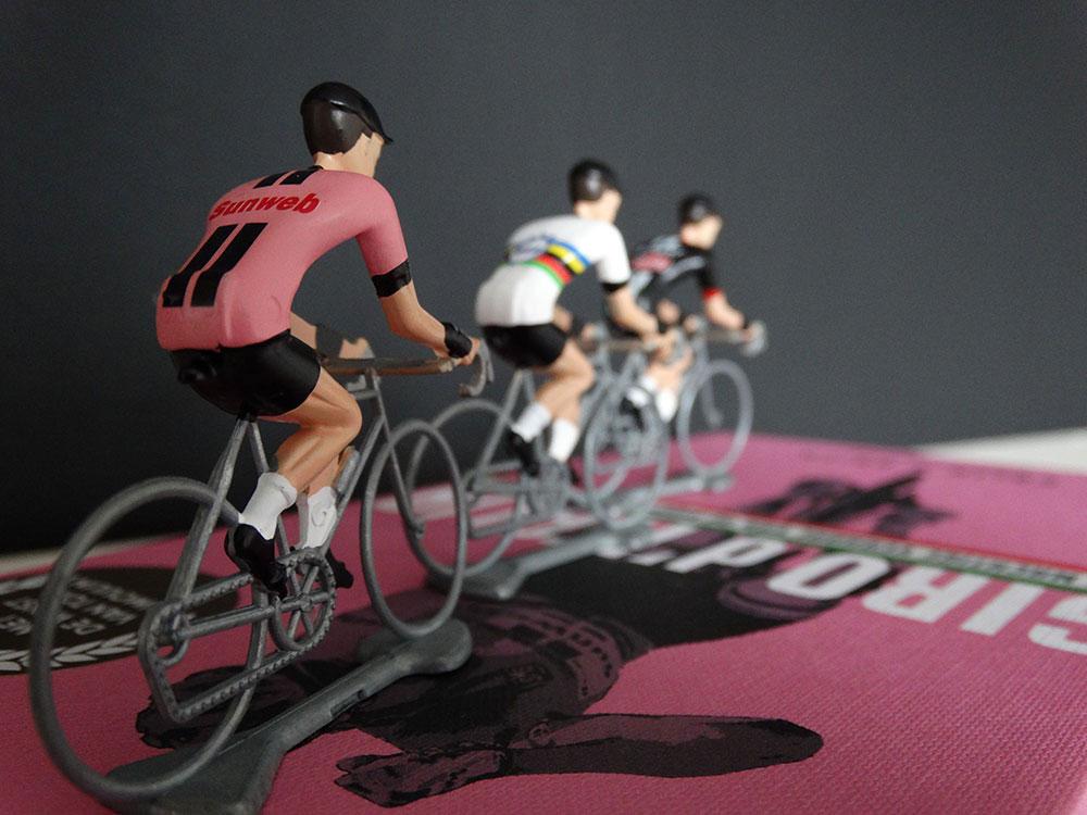 cobbles cyclinglifestyle fietscadeau cadeau fietser flandriens miniatuur tom dumoulin wout van aert mathieu van der poel
