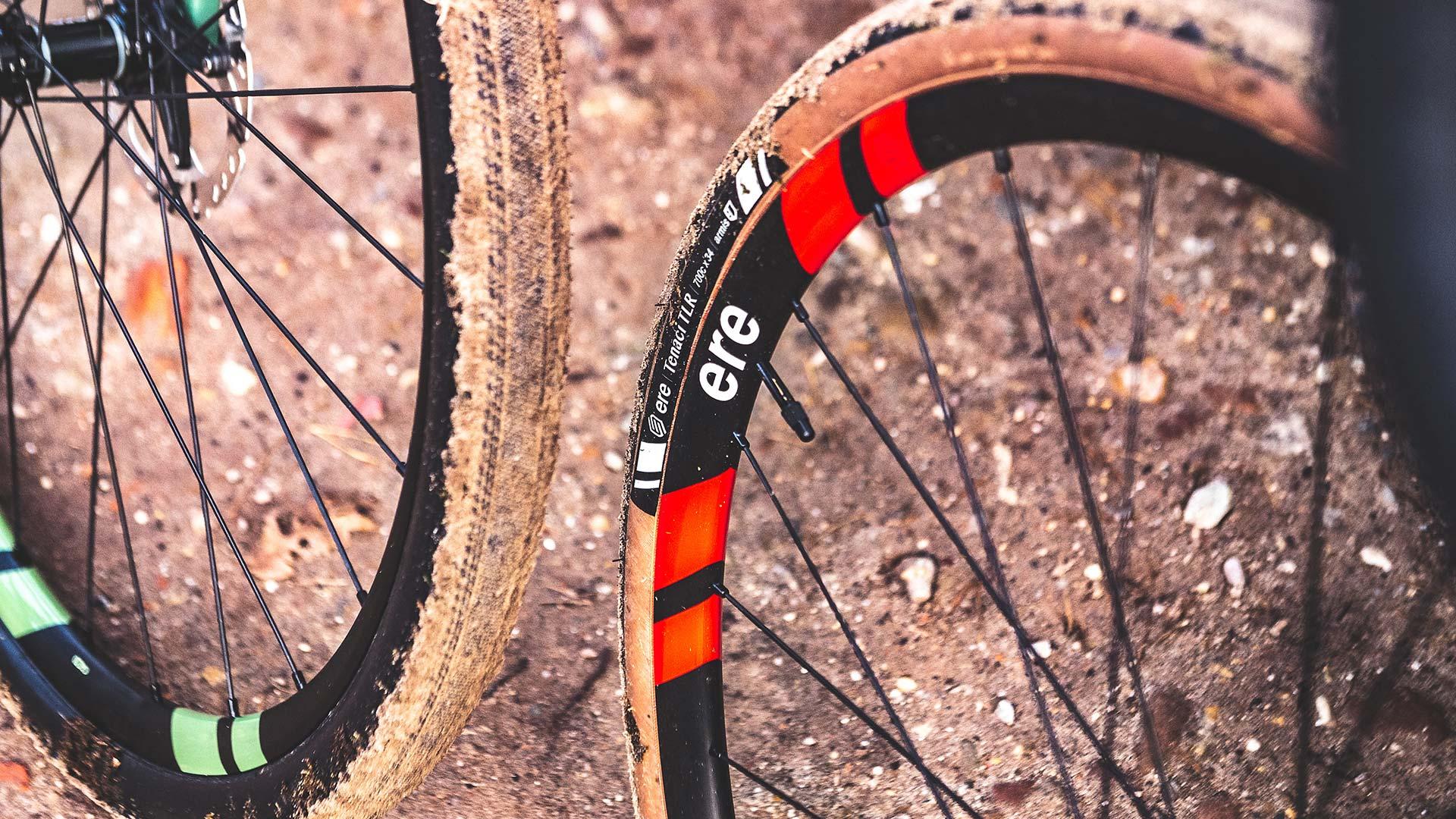 9 technische tips voor wielrenners, gravelbikers & mountainbikers (van techniek-expert Piet van der Velde)