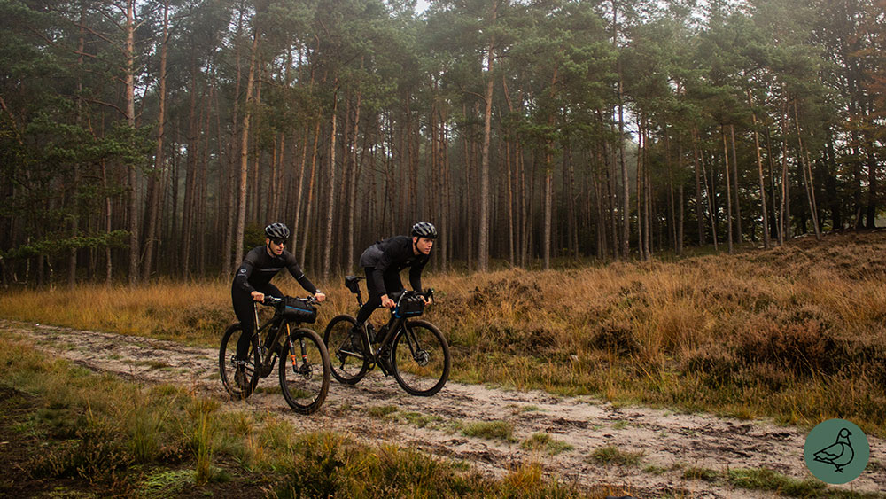 cobbles-mountainbiken-pilot-duro-pinion-review-zandpad