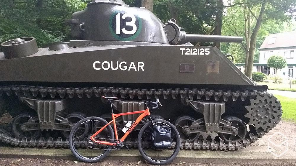 cobbles-wielrennen-gravelroutes-gelderland-zuid-veluwe-ede-tank-1