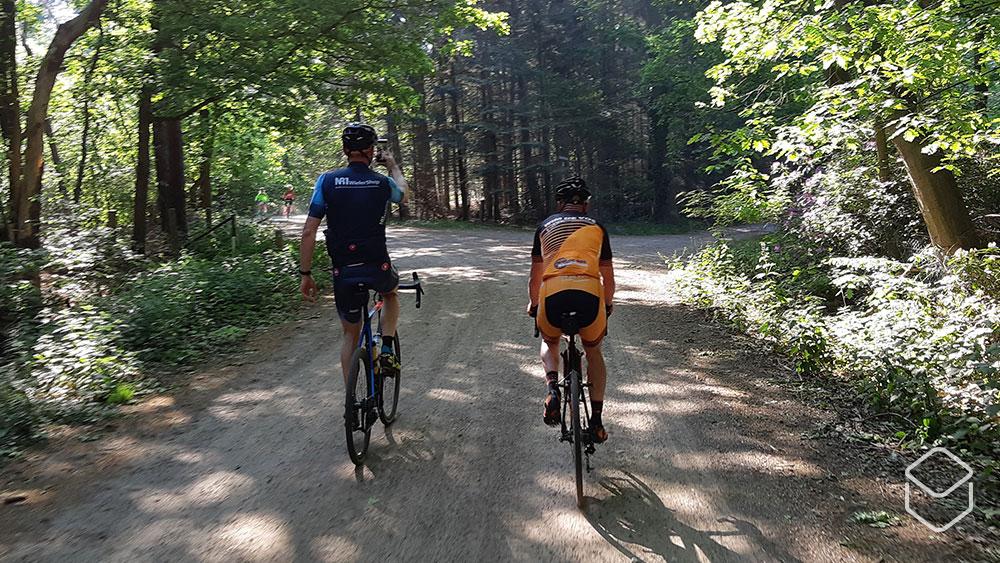 cobbles-wielrennen-herstel-na-een-ongeluk-blessure-samen-fietsen