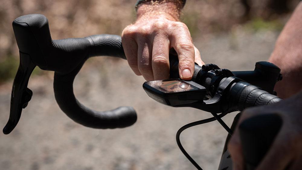 cobbles-wielrennen-wahoo-elemnt-bolt-vernieuwd-stuur