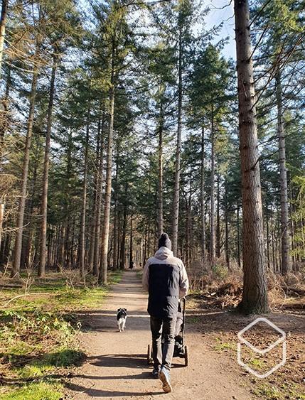 cobbles-wielrennen-kleine-kinderen-conditie-wandelen-kinderwagen-bos