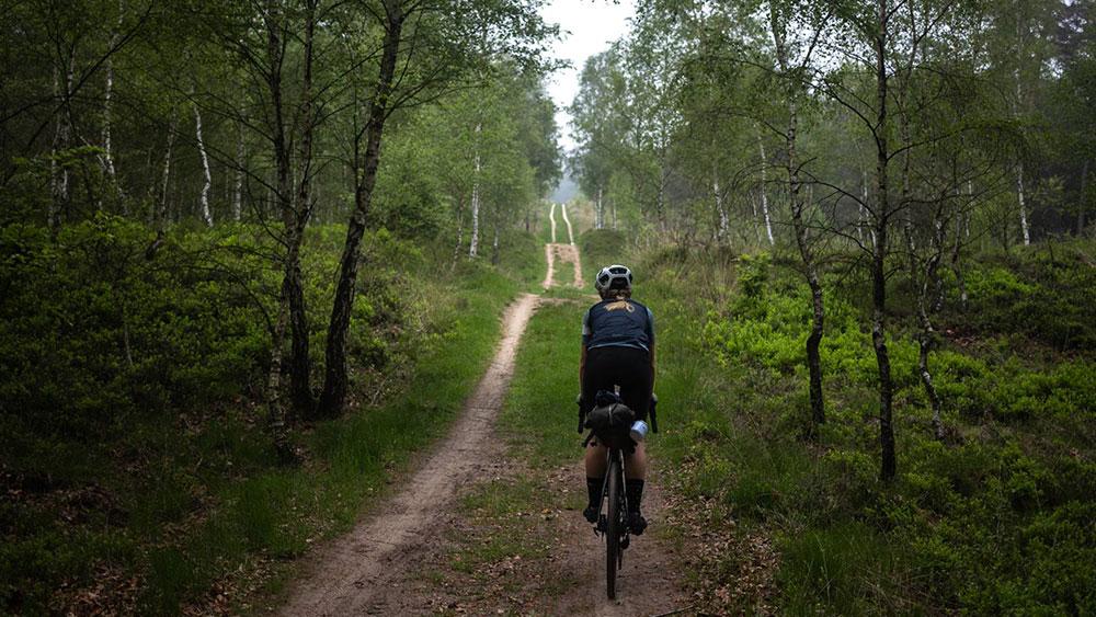 cobbles-wielrennen-gravel-green-divide-dual-track